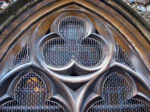 AIANO woven-mesh church window guards