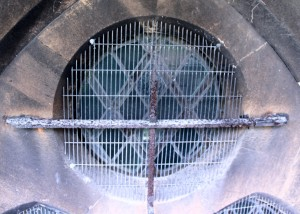 The poor condition and quality of the old window guards which were replaced by AIANO traditional church window guards.